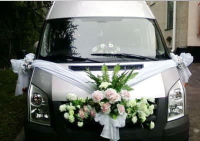 Украшение микроавтобуса на свадьбу